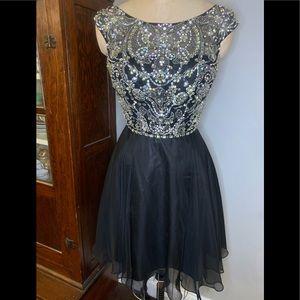 Beautiful Sherri Hill Short Formal Prom Dress sz10